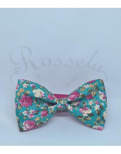 Conjunto pajarita y tirantes negro con flores azules y tostadas